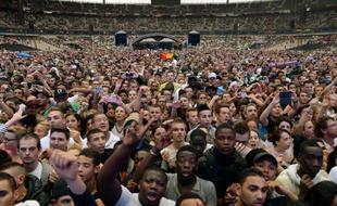 310x190_spectateurs-show-hip-hop-rap-urban-peace-3-stade-france-a-saint-denis-28-septembre-2013